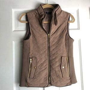 Rowen Faux Suede Quilted Vest. Perfect for fall!